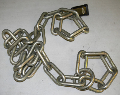 Protector 13mm chain without sleeving, with oversize end ring shown bottom-right